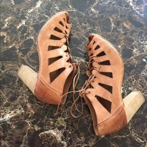 Paul Green heels. Stylish.